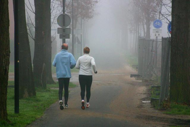 running-in-the-morning-1538848-639x426